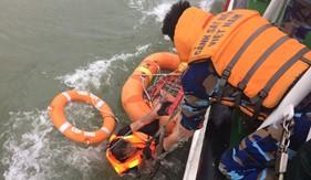 Tàu CSB 3005 cứu nạn thuyền viên tàu Thành Công 999 bị chìm trên biển