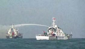 Cảnh sát biển cứu nạn tàu nước ngoài bị cháy trên biển
