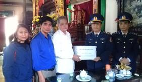 Bộ Tư lệnh Vùng Cảnh sát biển 1 thăm, tặng quà các gia đình chính sách