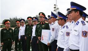 Đoàn công tác Tổng cục Chính trị thăm, làm việc tại Bộ Tư lệnh Vùng Cảnh sát biển 2