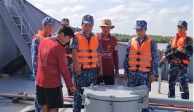 Bộ Tư lệnh Vùng cảnh sát biển 4 bắt giữ tàu vận chuyển 100.000 lít dầu DO không rõ nguồn gốc