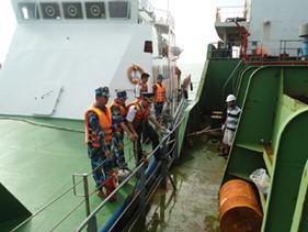 """""""Bảo đảm an ninh, an toàn hàng hải là nhiệm vụ hàng đầu của Lực lượng Cảnh sát biển Việt Nam"""" (*)"""