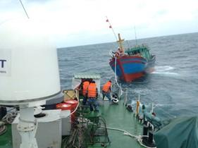 Để hạn chế tai nạn tàu cá trên biển