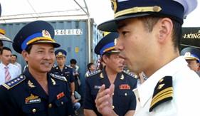 """""""Cảnh sát biển tăng hợp tác quốc tế để giảm căng thẳng trên biển Đông"""""""