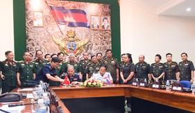 Cảnh sát biển Việt Nam và Uỷ ban quốc gia an ninh hàng hải Campuchia: Ký thỏa thuận cơ chế liên lạc đường dây nóng