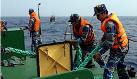 Tàu CSB 2006 cứu nạn tàu cá bị hỏng máy trên vùng biển Nghệ An