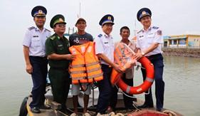 BTL Vùng Cảnh sát biển 3 đồng hành cùng ngư dân