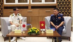 Cảnh sát biển Việt Nam đón tàu huấn luyện KOJIMA của Lực lượng Bảo vệ bờ biển Nhật Bản tại Đà Nẵng