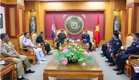 Tư lệnh Cảnh sát biển tiếp đoàn cán bộ Ủy ban Quốc gia An ninh hàng hải Campuchia