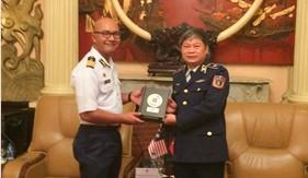 Tư lệnh Cảnh sát biển tiếp xã giao đoàn Cơ quan Thực thi pháp luật trên biển Malaysia