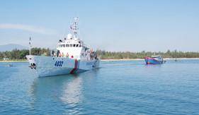 Bộ Tư lệnh Vùng Cảnh sát biển 2 cứu nạn thành công tàu cá QNg 90499TS