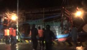 Hải đội 202 kịp thời cứu, kéo tàu cá gặp nạn khi vào tránh bão số 5