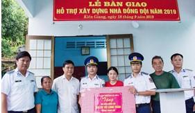 Bộ Tư lệnh Vùng Cảnh sát biển 4 bàn giao nhà đồng đội cho quân nhân có hoàn cảnh khó khăn