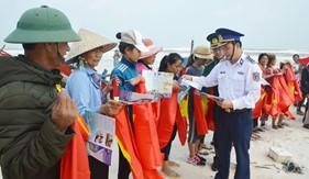 """Bộ Tư lệnh Vùng Cảnh sát biển 1 chung tay tháo gỡ """"thẻ vàng"""" EC"""