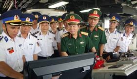 Đoàn công tác của Bộ Quốc phòng thăm và kiểm tra Bộ Tư lệnh Vùng Cảnh sát biển 3