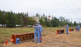 Bộ Tư lệnh Vùng Cảnh sát biển 2 kiểm tra bắn súng K54