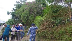 Hải đội 102/BTL Vùng Cảnh sát biển 1 giúp dân xây dựng nông thôn mới nâng cao