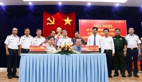 Đảng ủy Cảnh sát biển và Tỉnh ủy Cà Mau ký kết chương trình ''Cảnh sát biển đồng hành với ngư dân''