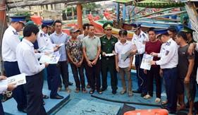 Nâng cao chất lượng hoạt động các tổ, đội tuyên truyền pháp luật cho ngư dân