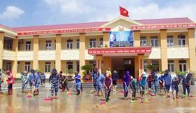 Hải đội 102 giúp nhân dân khắc phục hậu quả bão lụt tại Quảng Bình