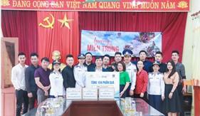 """Phụ nữ Cảnh sát biển đồng hành cùng Tạp chí Biển Việt Nam thực hiện chương trình thiện nguyện """"Hướng về miền Trung ruột thịt"""""""
