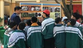 Đoàn Đặc nhiệm PCTP ma túy số 2 tuyên truyền Luật Cảnh sát biển Việt Nam và phòng chống tội phạm, tệ nạn ma túy tại địa bàn đóng quân