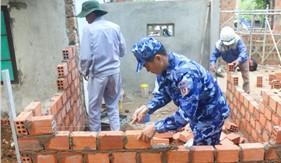 Hải đội 212 hỗ trợ xây, sửa nhà cho người nghèo