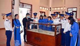 Bộ Tư lệnh  Vùng Cảnh sát biển 1 tổ chức tham quan, giáo dục truyền thống  cho thế hệ trẻ
