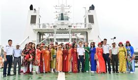 Cán bộ và nhân dân xã Tam Hiệp giao lưu, tìm hiểu truyền thống Cảnh sát biển tại Hải đoàn 21