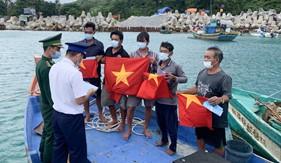 Trạm Cảnh sát biển số 4 tuyên truyền pháp luật cho ngư dân trên đảo Thổ Chu