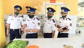 Đoàn công tác Bộ Tư lệnh Cảnh sát biển thăm và kiểm tra Bộ Tư lệnh Vùng Cảnh sát biển 3