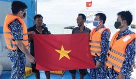 """Bộ Tư lệnh Vùng Cảnh sát biển 3 xây dựng """"thế trận lòng dân"""" trên biển"""